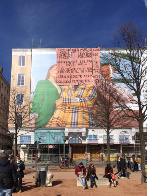 Affiche place Bellecour 8 mars